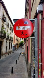Wie im Zirkus: Straße in Madrid