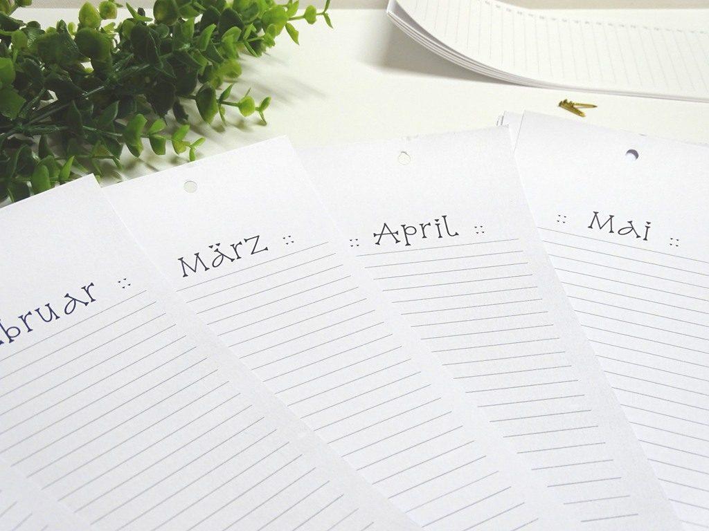 Drucke Dir den Geburtstagskalender kostenlos in einer von drei Schriftarten aus.