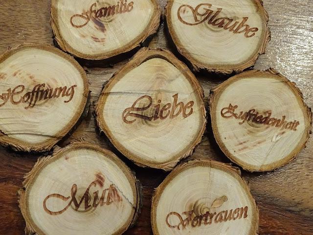 Holzlaserservice in Wien, Basteln mit Astscheiben