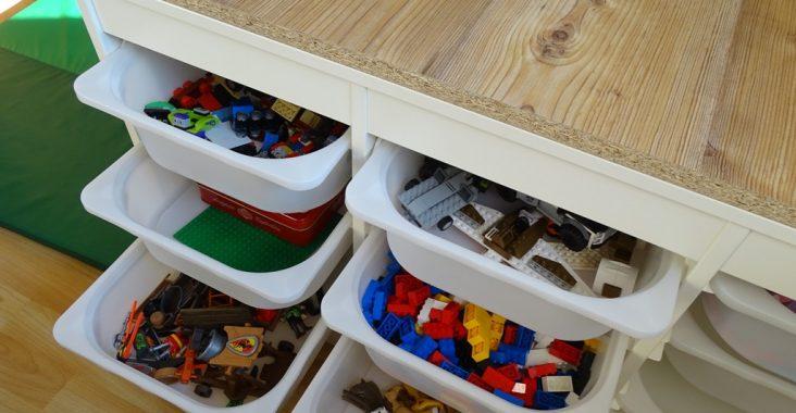 Lifehack: Spielzeugregal mit vielen Laden für Lego und ...
