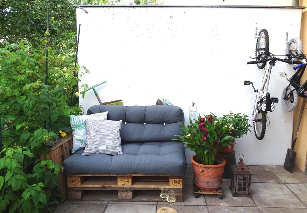 palettensofa f r den garten vlikeveronika garten. Black Bedroom Furniture Sets. Home Design Ideas