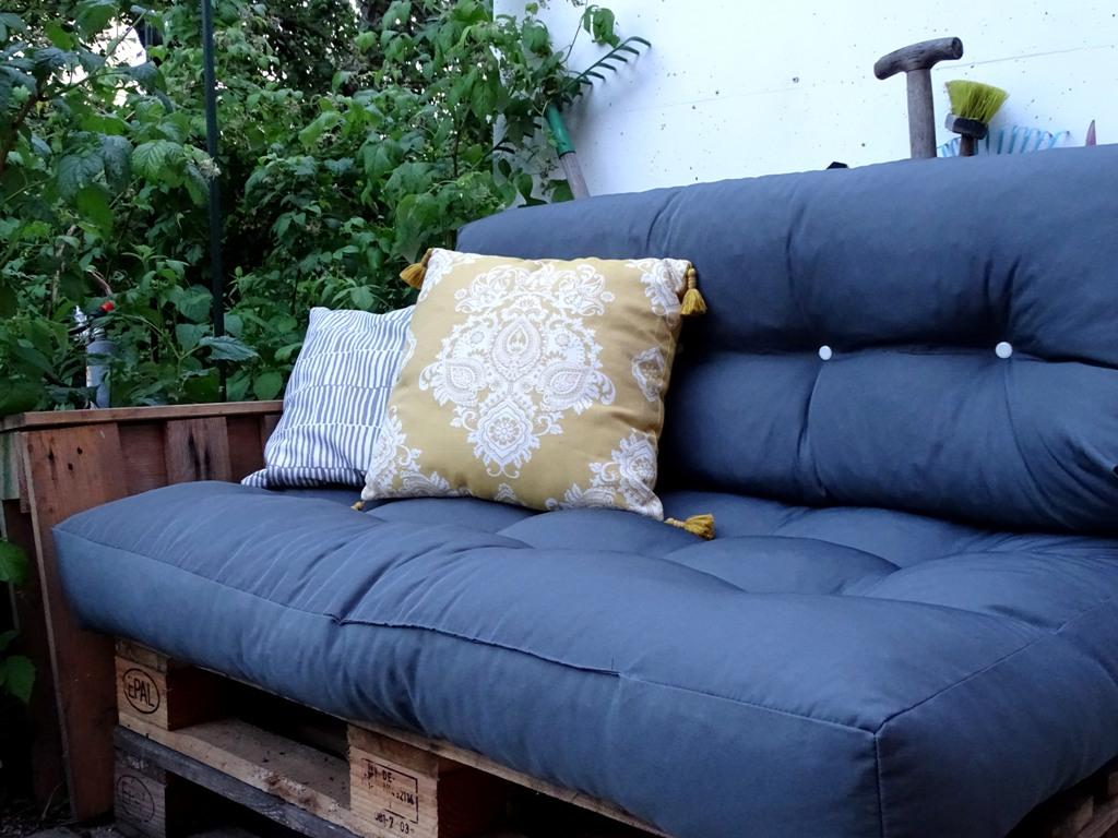 Erfahrungsbericht: Palettensofa für den Garten