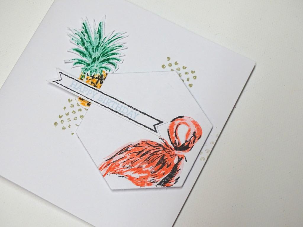Flamingo und Ananas