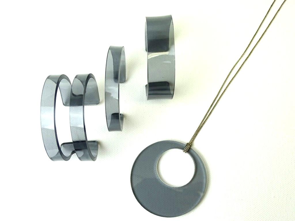 Statement aus Acrylglas selber machen: so geht's, Anleitung für Plexiglas-DIY