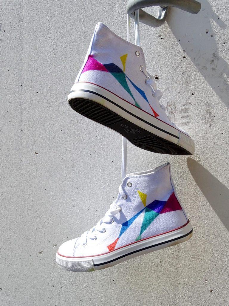 Bemalte Schuhe: Das Must-Have für den Festival-Sommer