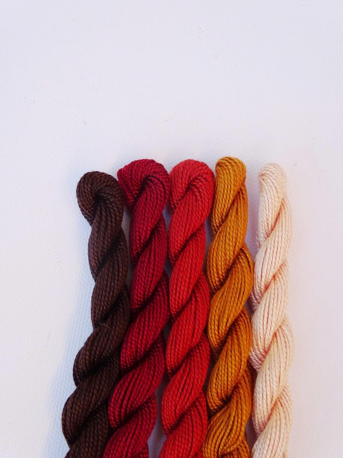 Herbstliche Farbkombination mit Braun, Rost, Fuchsrot, Ocker und Puder