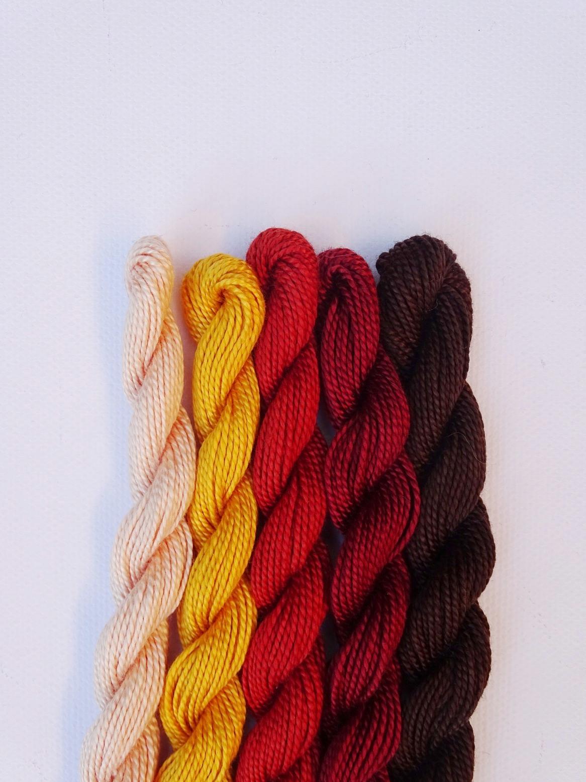 Herbstliche Farbkombination mit Braun, Rost, Fuchsrot, Sonnengelb, Puder