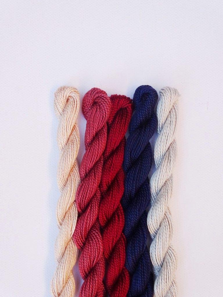 Dezente, herbstliche Farbkombination mit Blassblau-Grau, Navi, Rost, Mauve, Puder