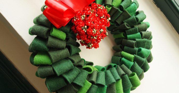 Basteln im Advent: Türkranz aus Filzresten