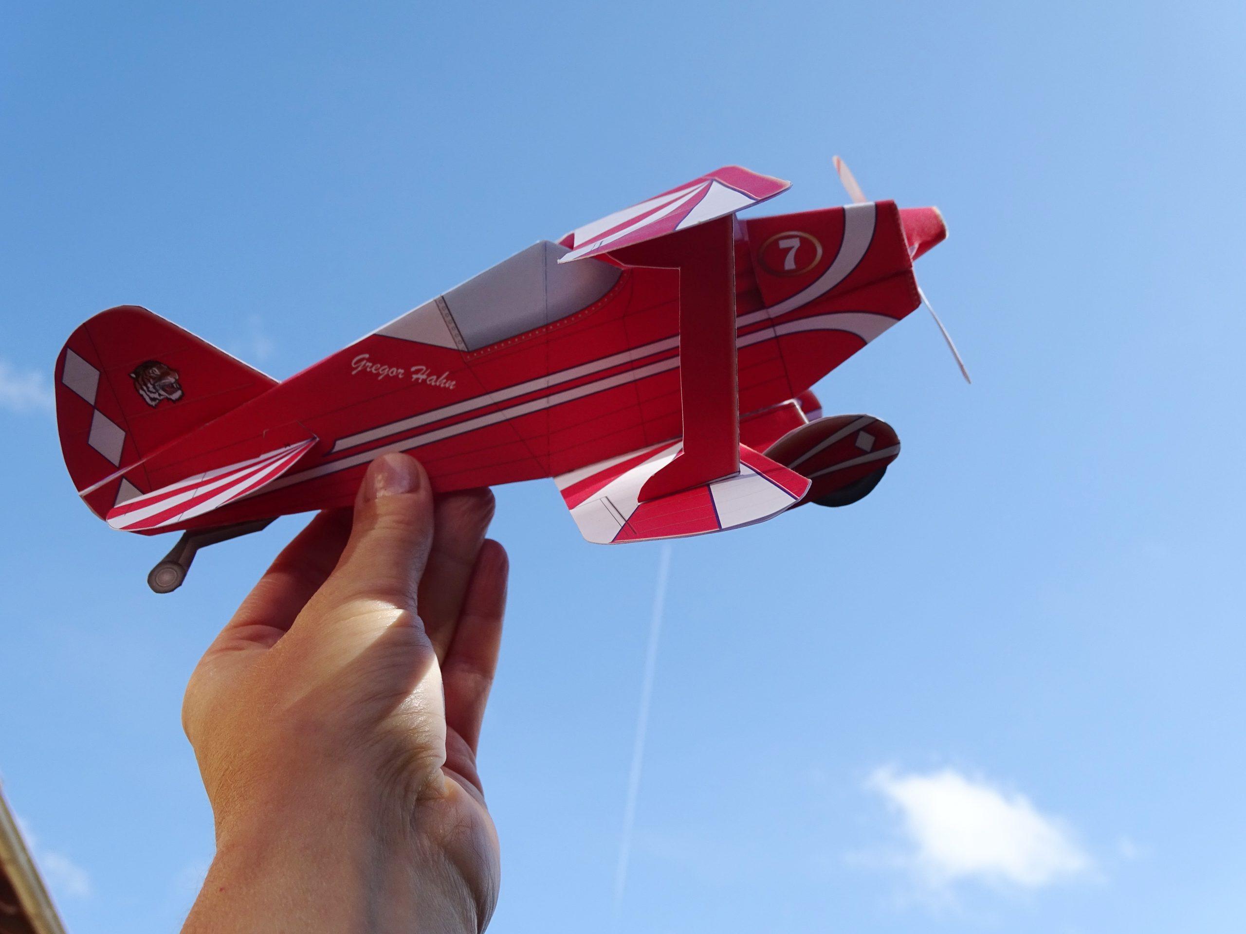 Ausschneidebogen Flugzeug online kaufen