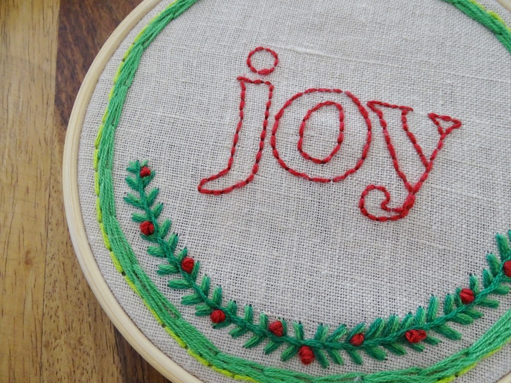 weihnachtliche Stickbilder: Schriftzug JOY Vorlage