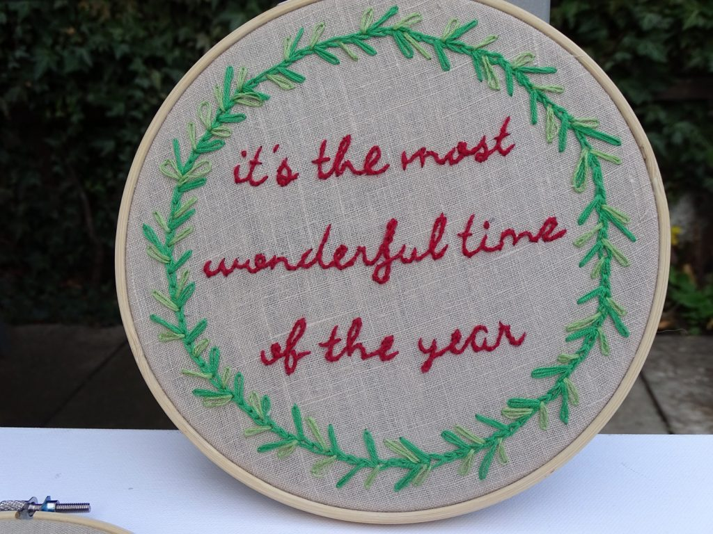 It's the most wonderful time of the year - Schriftzug sticken mit Vorlage und Anleitung