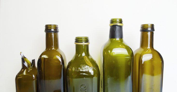 Upcycling-DIY-Projekt mit Glasflaschen: Olivenölflaschen Upcycling-DIY-Projekt