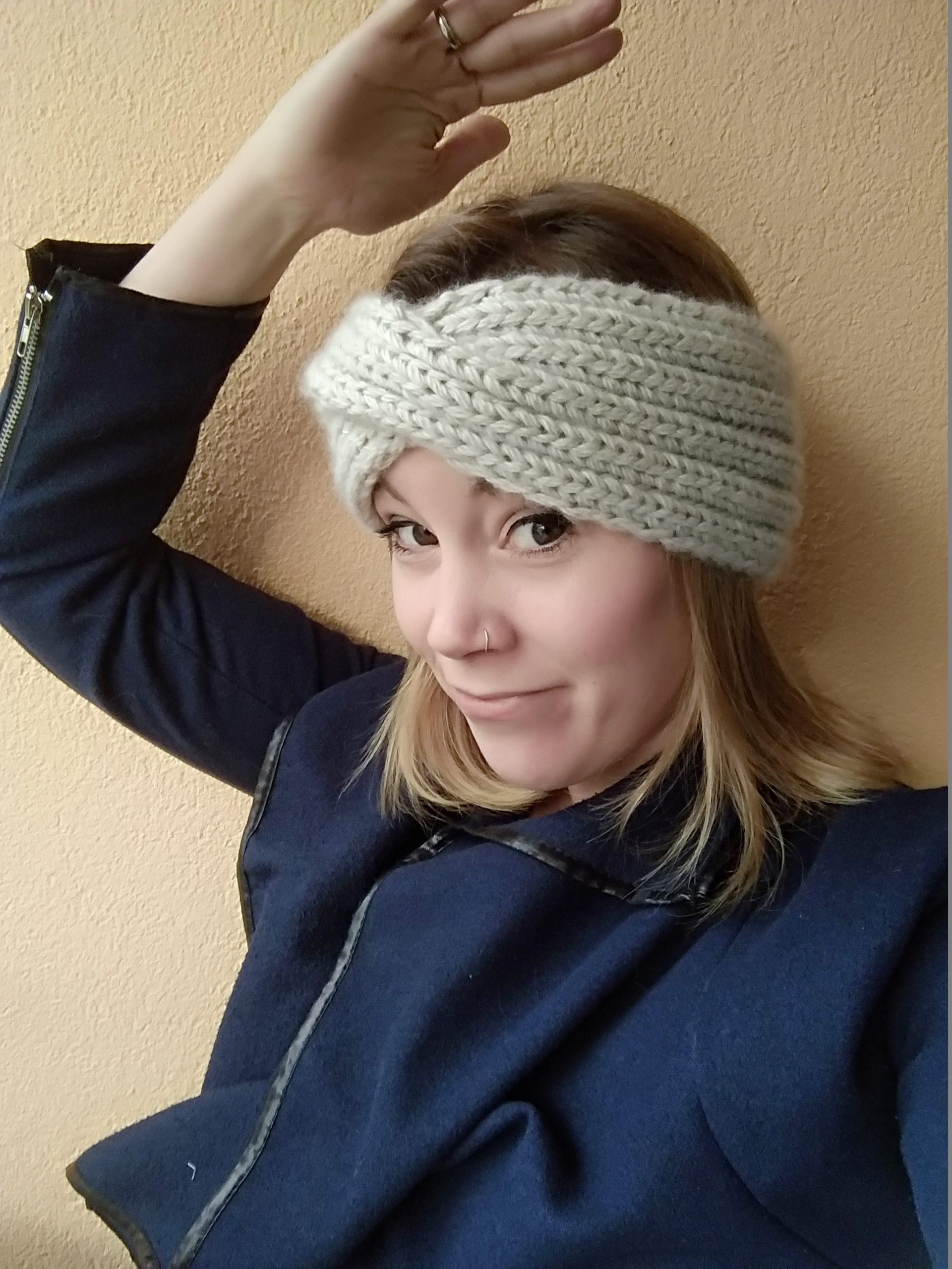 Stirnband mit Twist stricken