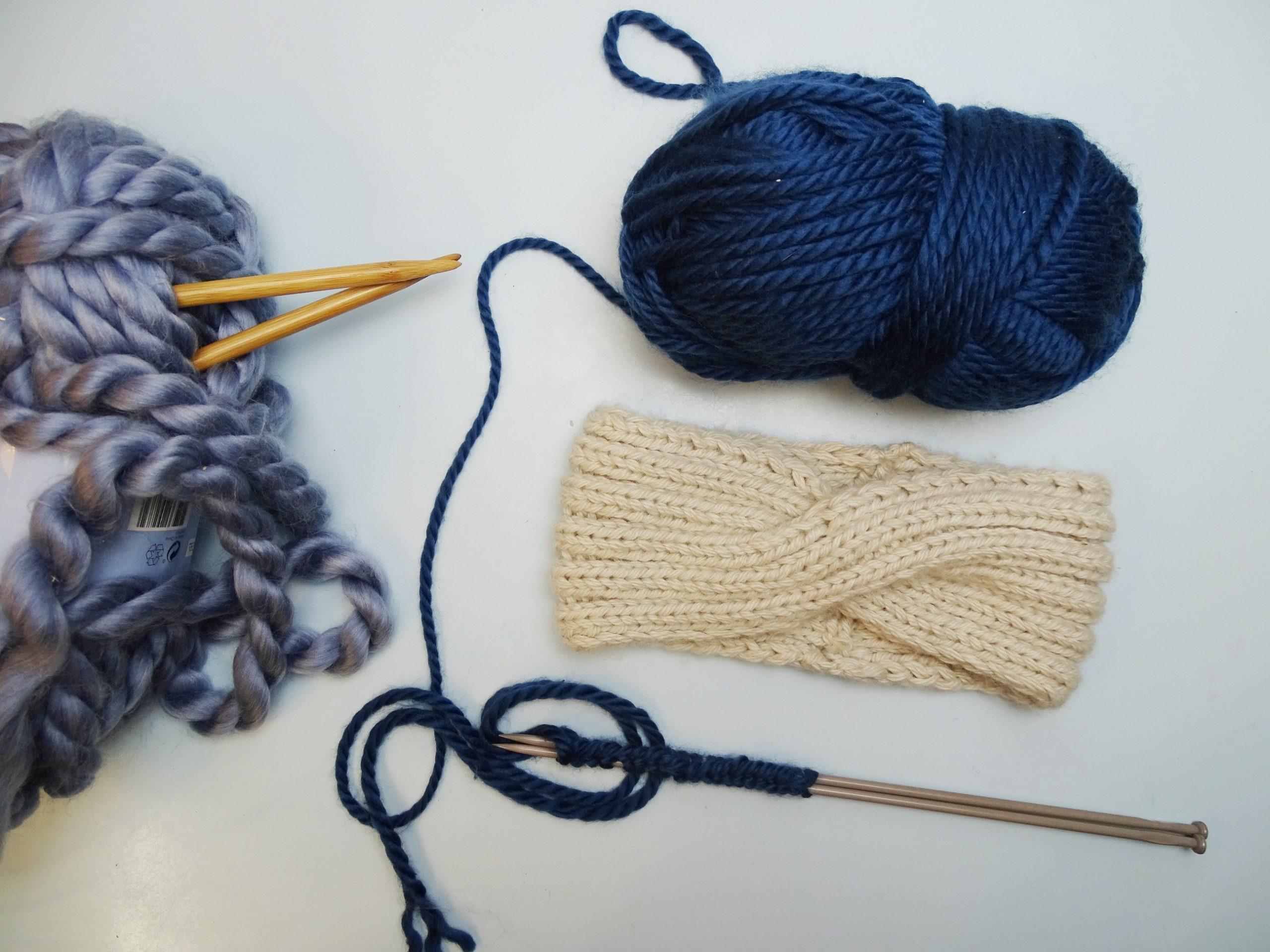 Stirnband mit Knoten stricken: Kostenlose DIY-Anleitung einfach erklärt