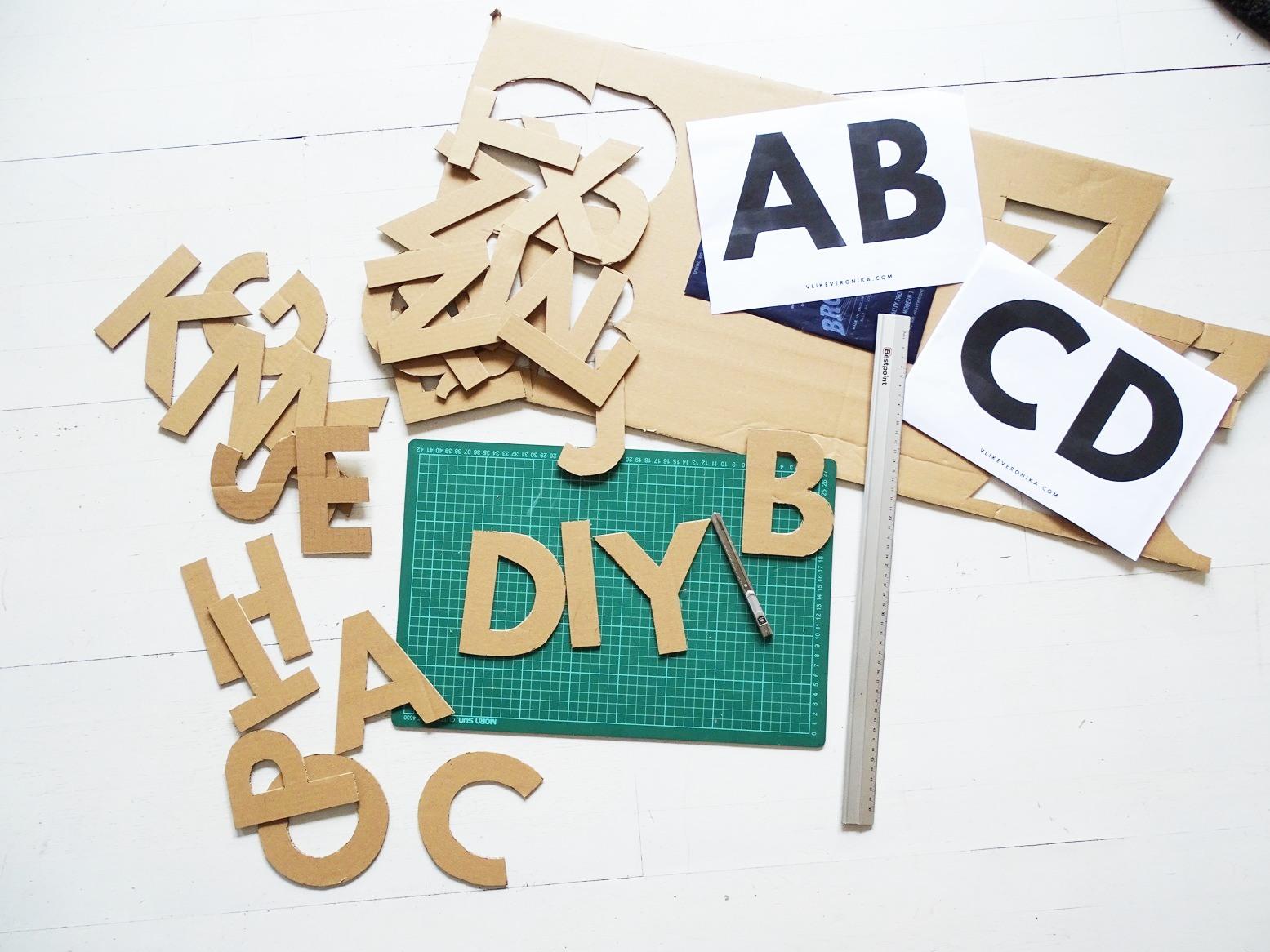 Alphabet selber basteln aus Karton mit Vorlagen von VlikeVeronika in zwei Größen