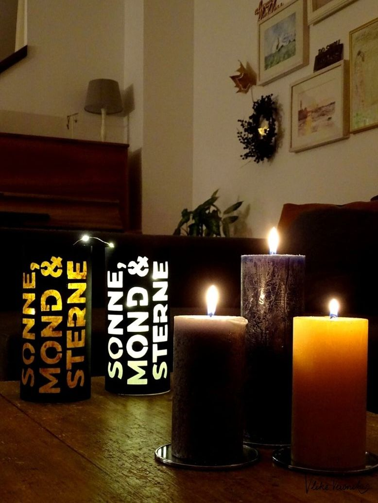 Windlichter aus Papier und Einmachgläsern sind im Herbst und Winter ganz gemütlich für Dein Zuhause.