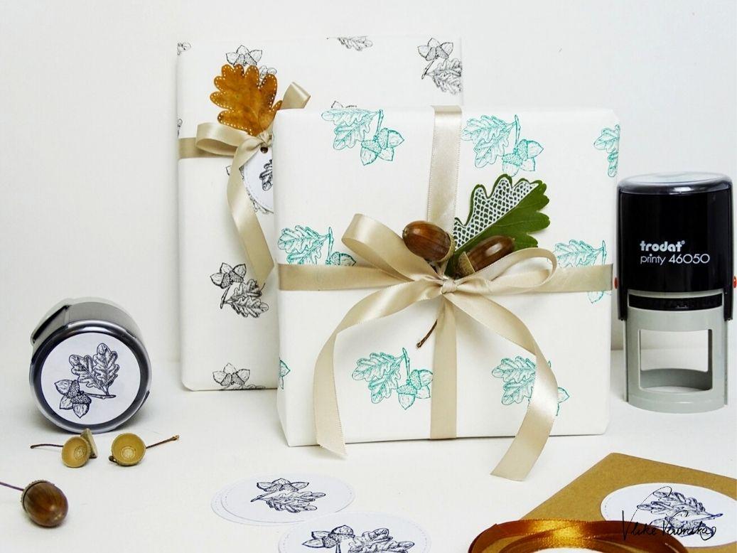 Gestempeltes Geschenkpapier mit dem ORIGINAL PRINTY von TRODAT für Firmengeschenke selber machen