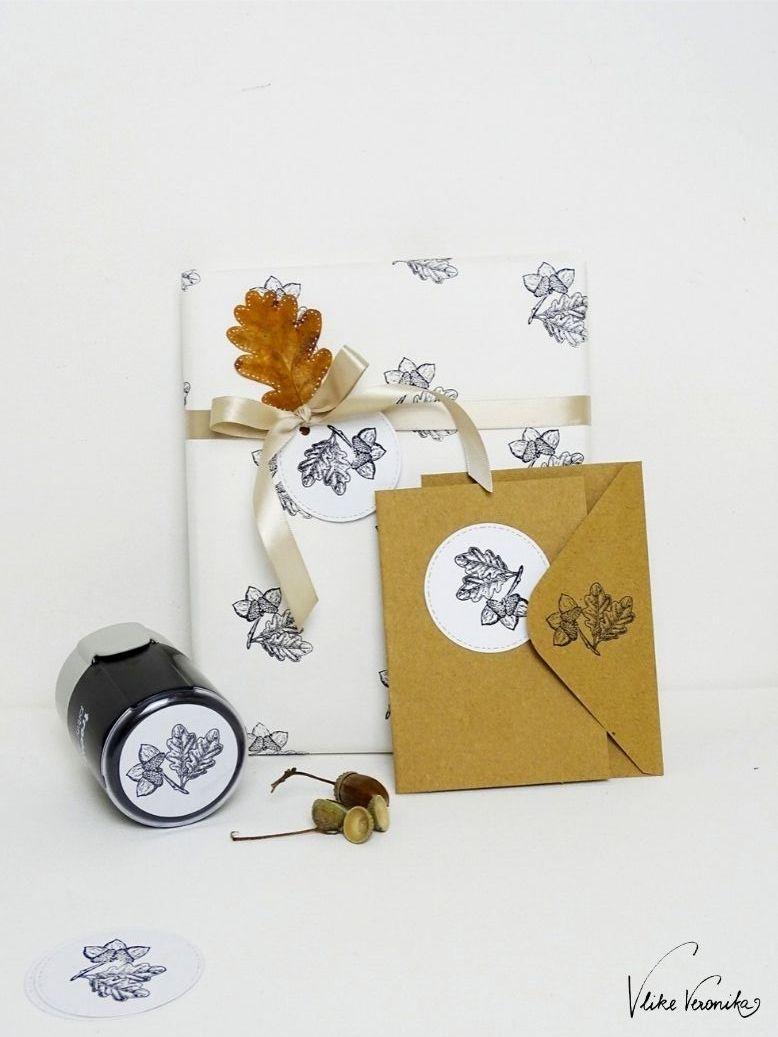 Weihnachtskarten mit Eichelmotiv und Eichenblättern sind jedes Jahr in - lass Dir den Stempel einfach anfertigen!
