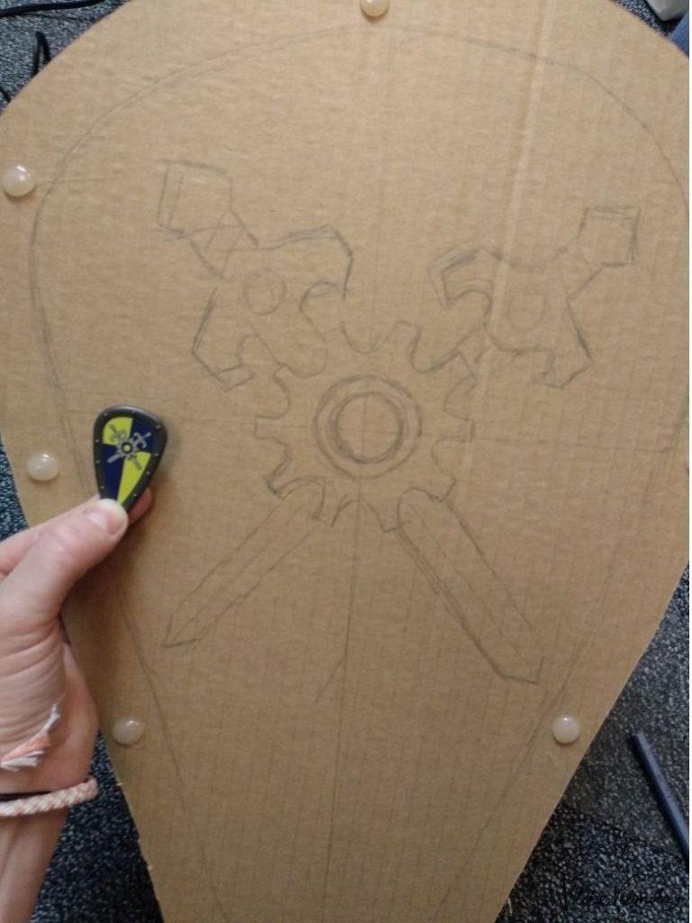 Der Schild von Prinz Arwynn aus Novelmore von Playmobil aus Karton.